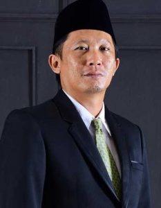 KPU RI Lantik Hayu Vandy P sebagai Komisioner PAW KPU Lutra