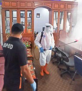 BPBD Selayar Penyemprotan Disinfektan di Kantor Bupati
