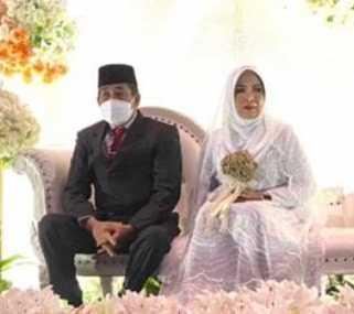 Awalnya, Editan Foto Bupati Sidrap Bersanding Ayu Hoax, Kini Terjawab Melalui Pernikahan