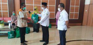 Sekda Apresiasi Bantuan Baznas Untuk Petugas Kebersihan Kantor Bupati