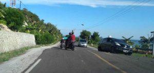 Pengendara Keluhkan Jalan Bergelombang di Jalan Poros Kelurahan Rangas
