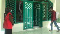 Jelang Idul Fitri, Masjid di Bantaeng Disemprot Disinfektan
