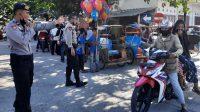 Polres Bantaeng Pantau Aktivitas Warga, Urai Macet di Pasar Sentral