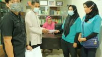 LAZ YW UMI Salurkan Bantuan Zakat, Infaq, Sadaqah
