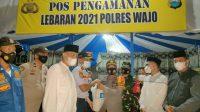 Kunjungi Posko Perbatasan, Bupati Bagi-bagi Sembako