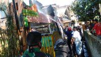 Damkar Gowa Gerak Cepat Tangani Kebakaran di Jalan Matahari