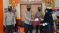 Kapolres Bantaeng Serahkan Bingkisan Tali Asih Ke 104 Dai Kamtibmas Mitra Polres