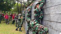 Tak Mau Kalah Dengan Siswa Pria, Siswi Kowal Satdik-2 Makassar Ikuti Halang Rintang