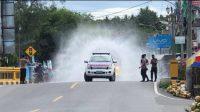 Antisipasi Penyebaran Kluster Baru Covid-19, Polres Majene Lakukan Penyemprotan Disinfektan Massal