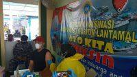Tak Kenal Lelah TNI AL Targetkan Serbuan Vaksin Masyarakat Maritim di PP New Port Makassar