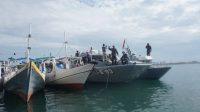 TNI AL Operasikan Ambulance Laut Dukung Serbuan Vaksin Covid-19 Masyarakat Maritim di Makassar