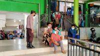 Tekan Penyebaran Covid-19, Bhabinkamtibmas Butung Patroli Sambang Ingatkan Warga Protkes