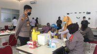AKBP Kadarislam Cek Percepatan Vaksinasi di Gerai Keliling Polres Pelabuhan Makassar