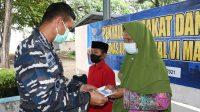 Ringankan Dampak Pandemi Covid-19, Baznas UPZ TNI AL Lantamal VI Makassar Salurkan Zakat dan Infaq