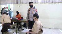 Kebut Vaksinasi, Polres Pelabuhan Vaksin Pelajar SMA 2 Negeri Makassar