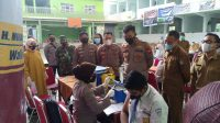 AKBP Kadarislam Tinjau Vaksinasi di SMPN 5 Makassar